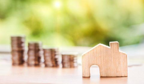 Průměrná sazba hypoték vzáří klesla na 2,6%