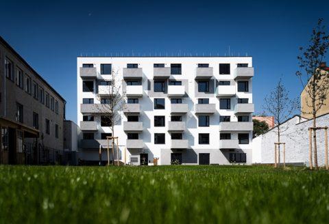 Nové byty se vPraze staví vbytových domech, vkrajích dominuje výstavba rodinných domů