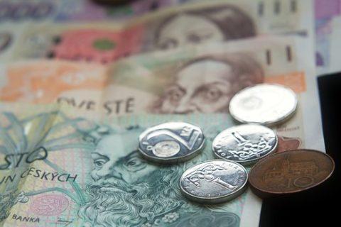 Zájem o půjčky na bydlení mladým loni meziročně klesl na čtvrtinu