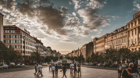 Byty u metra Staroměstská jsou třikrát dražší než na Černém Mostě