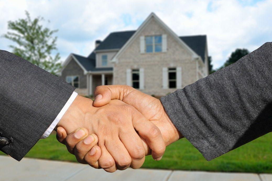 Realitní makléř - reality, prodej nemovitostí - realiťák