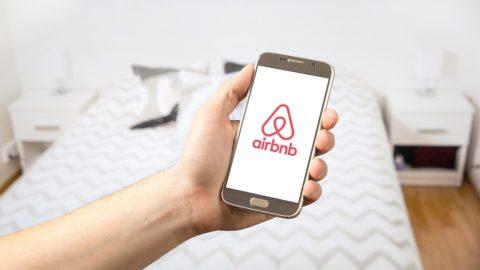 Hřib: přes Airbnb by mělo být možné pronajmout jen pokoj