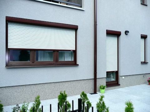 V oblasti stínicí techniky vedou u firem i majitelů domů venkovní žaluzie. U prvků automatizace se prosazují sluneční a větrná čidla