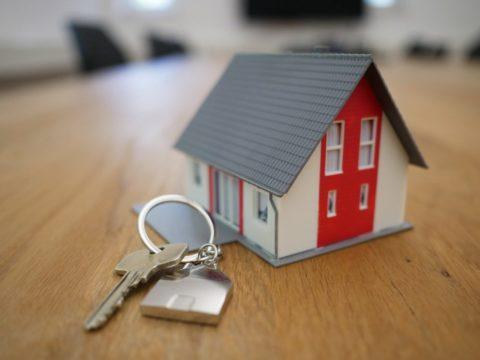 Hypotéky už nejspíš zlevňovat nebudou