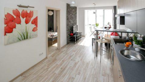 Nových bytů se letos vPraze prodalo téměř o polovinu více než loni