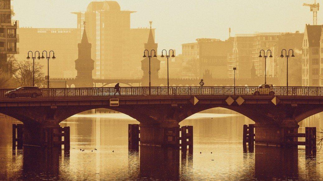 Berlín - Německo - most přes řeku