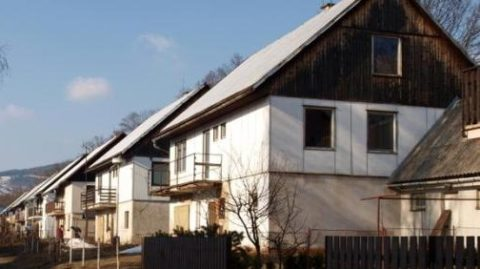 Zdravotní ústav upozorňuje na zdraví nebezpečné domy typu OKAL